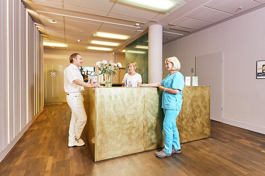 Am Empfang mit Prof. Peter und Team, Klinik am Wittenbergplatz