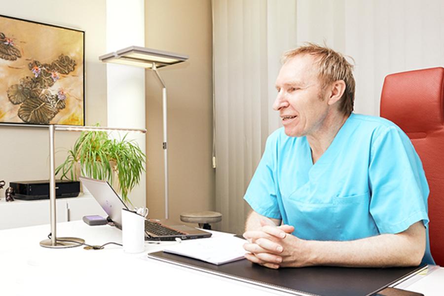 Portrait Plastischer Chirurg Prof. Dr. Frank-Werner Peter, Klinik am Wittenbergplatz, Berlin